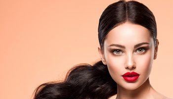 De volta aos anos 90: 5 tendências de beleza voltaram com força total 2