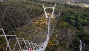 Maior ponte suspensa para pedestres do mundo chama a atenção em Portugal 9